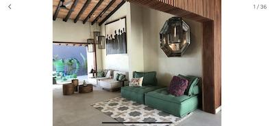 Casa Pedro hotel boutique casa completa. Servicios del hotel en Indah By SayAn big h