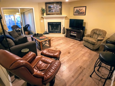 Comfortable living with tv, wifi, cable