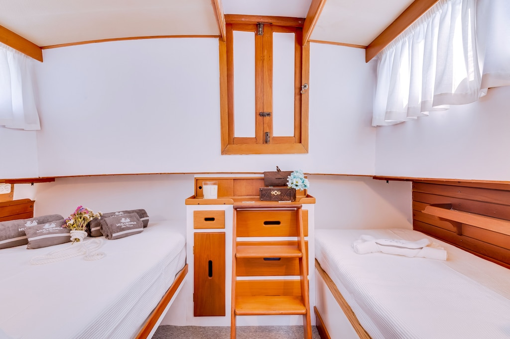 Interior of a houseboat Airbnb Faro