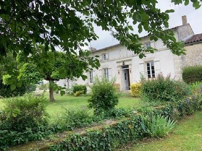 Le Mung, Charente-Maritime (department), France