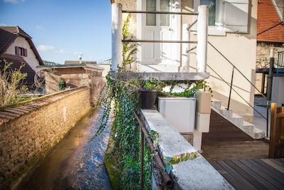 porte d'entrée et terrasse