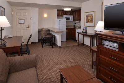 Welcome to your comfortable 1 Bedroom unit in Indianapolis.
