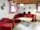 Zimmer, Möbel, Eigentum, Wohnzimmer, Interior Design, Decke, Gebäude, Haus, Fussboden, Tabelle