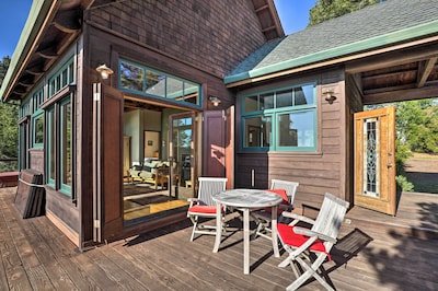 This guest cottage is ideal for a romantic getaway with that special someone.