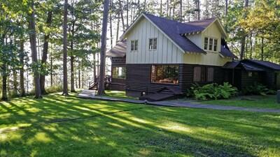 Historic Cabin in amazing location.