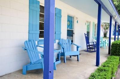 Valentine Lakeside Pet-friendly Cabin 5
