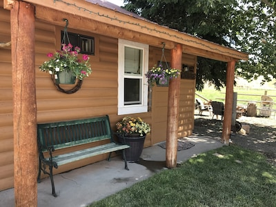 THE BLACK CANYON COTTAGE