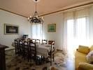 Zimmer, Eigentum, Interior Design, Möbel, Gebäude, Decke, Esszimmer, Fussboden, Wand, Wohnzimmer