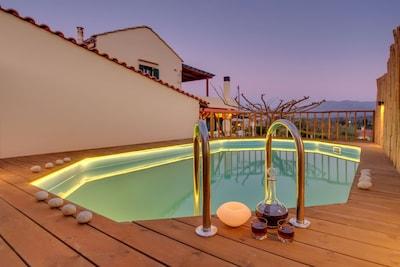 Traditional Ioannis Cottage Heated Pool
