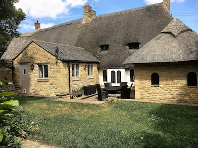 Family Friendly Cosy, Comfortable Historic Cottage