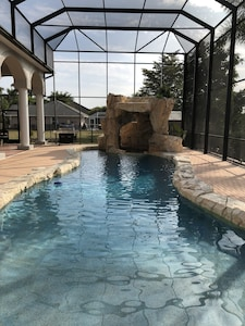 Outdoor oasis - zero entry pool, spa and grotto