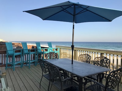 NEW PIC! Main-level deck with beautiful views of the whole beach!