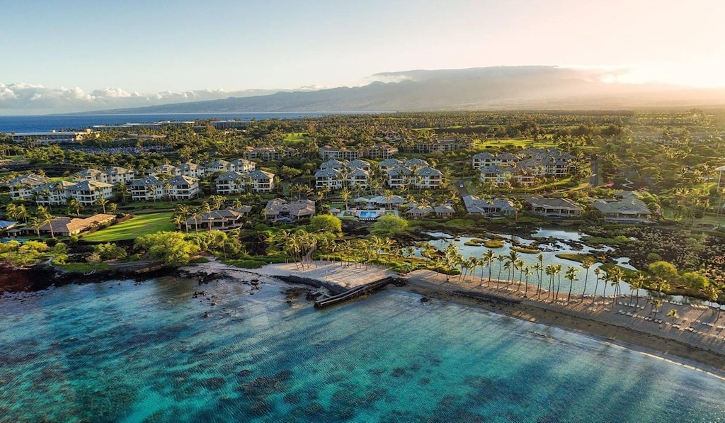 Waikoloa condo along the coastline