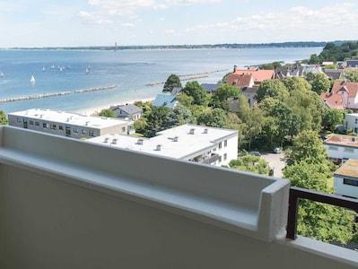 Ferienwohnung Strandblick 56 Blick vom Balkon auf die Kieler Förde
