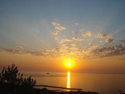 Depuis l'appartement, la vue sur le port de Bastia.