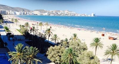Vacaciones en el mar Mediterráneo y cultura /