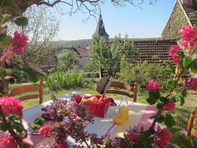 Al fresco breakfast with a view