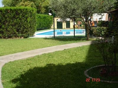 Sevilla capital. Apartamento con PISCINA.GARAJE. WI-FI. Bien situado Sevilla