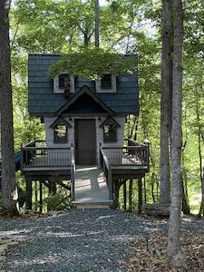 Enchanted Treehouse and kids treehouse on a 150 acre ranch