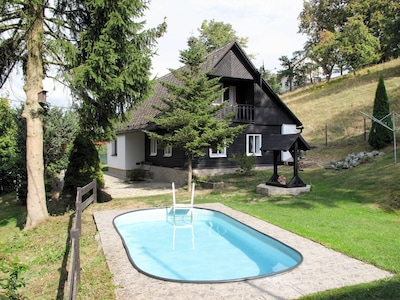 Property, House, Swimming Pool, Real Estate, Home, Cottage, Building, Leisure, Architecture, Backyard