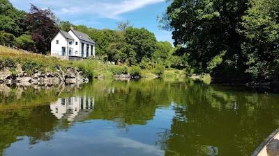 Wales Luxury Holiday Rental, Sleeps 10, Dog Friendly Riverside,Kayaking Fishing