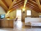 Zimmer, Eigentum, Gebäude, Decke, Dachboden, Strahl, Möbel, Interior Design, Fussboden, Haus