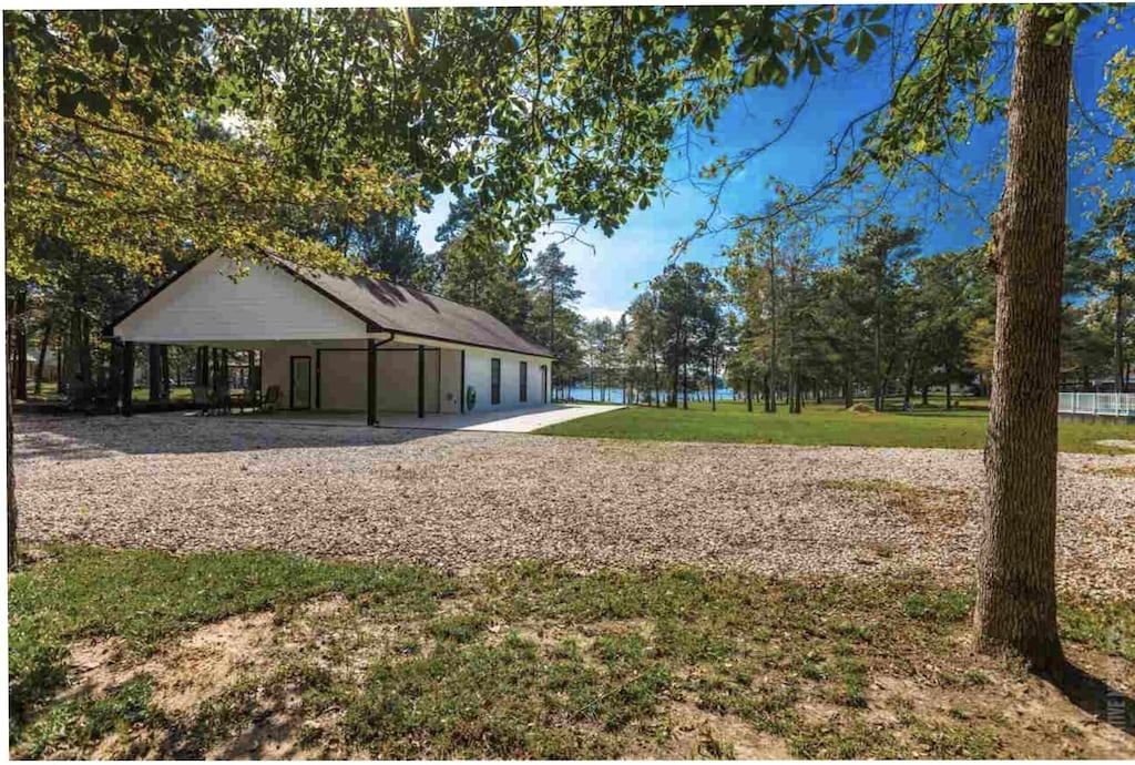 Pet Friendly Scenic Lakefront 5 Miles from Millcreek Boat Ramp