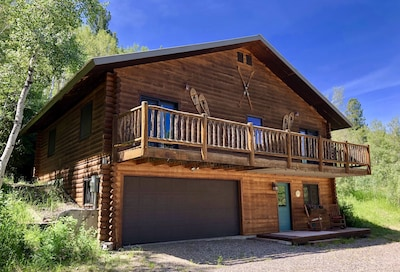 The Aspens Lodge - comfortable accommodations near the wilderness