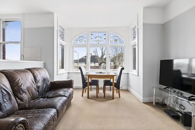 CORONA FREE - 3 Bed Flat in Twickenham near Kew Gardens for up to 6 people