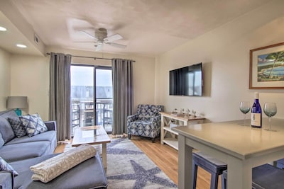 This 1-bed, 1-bath vacation rental condo in Ocean City, Maryland awaits you.