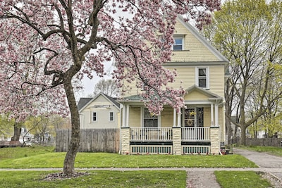 Rochester Vacation Rental | 3BR | 1BA | 1 Flight of Stairs Required | 967 Sq Ft