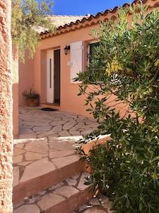 Maison 76qm sur 2 niveaux, Terrasse, Balcon, toilettes, salle de bains, cuisine