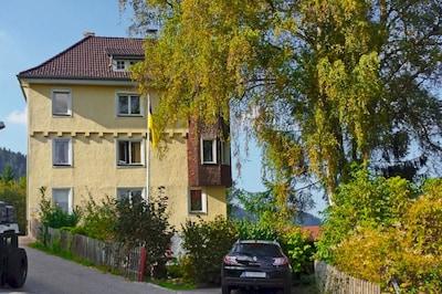 Deine idyllische Urlaubsadresse am Burgweg 66 in Schramberg.