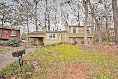 Live like a local in this neighborhood Stone Mountain home!