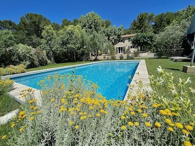 Sud, Aix-en-Provence, Bouches-du-Rhone, France