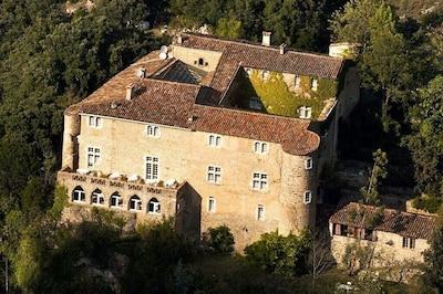 Corps du Château, vue aérienne des falaises....