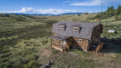 Beautiful Log Cabin High In Colorado Mountains, Private, Sleeps 8!