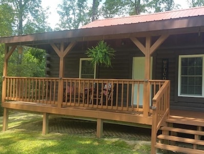 Beautiful and Cozy cabin! Key safe on site, no contact check in! WiFi!