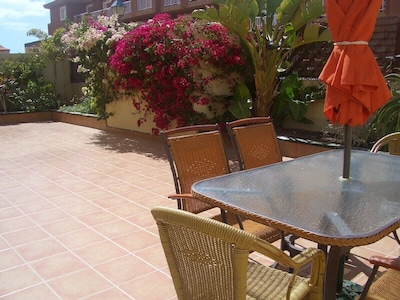 Lovely spacious, sunny & pretty patio with plenty of space to relax