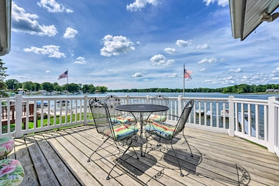 Bring the family to this Paw Paw lakehouse for a weekend of fun in the sun!