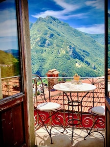 imagine waking up to this view? Well you can!