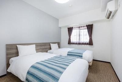4 single beds