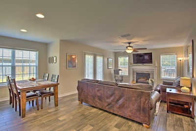 This 3-bed, 2.5-bath vacation rental is located in Longview.