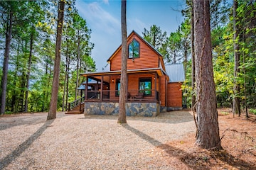 All Aboard Trains I Missed Brand New Spacious One Bedroom Cabin Sleeps 4 Official Broken Bow Oklahoma Ok Usa