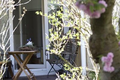 Ferienwohnung die ZAUBERHAFTE-Gartenblick
