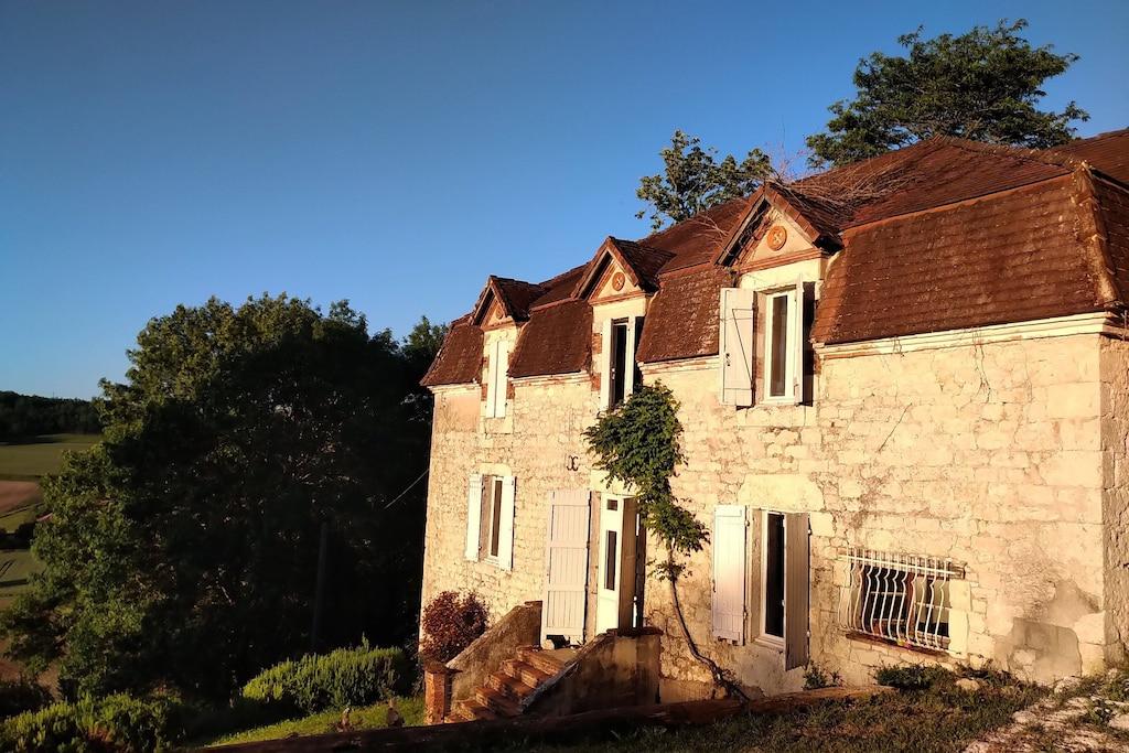 Maison de maitre, avec des vues panoramiques sur le Quercy Blanc