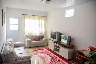 Casa nova confortável em lugar tranquilo