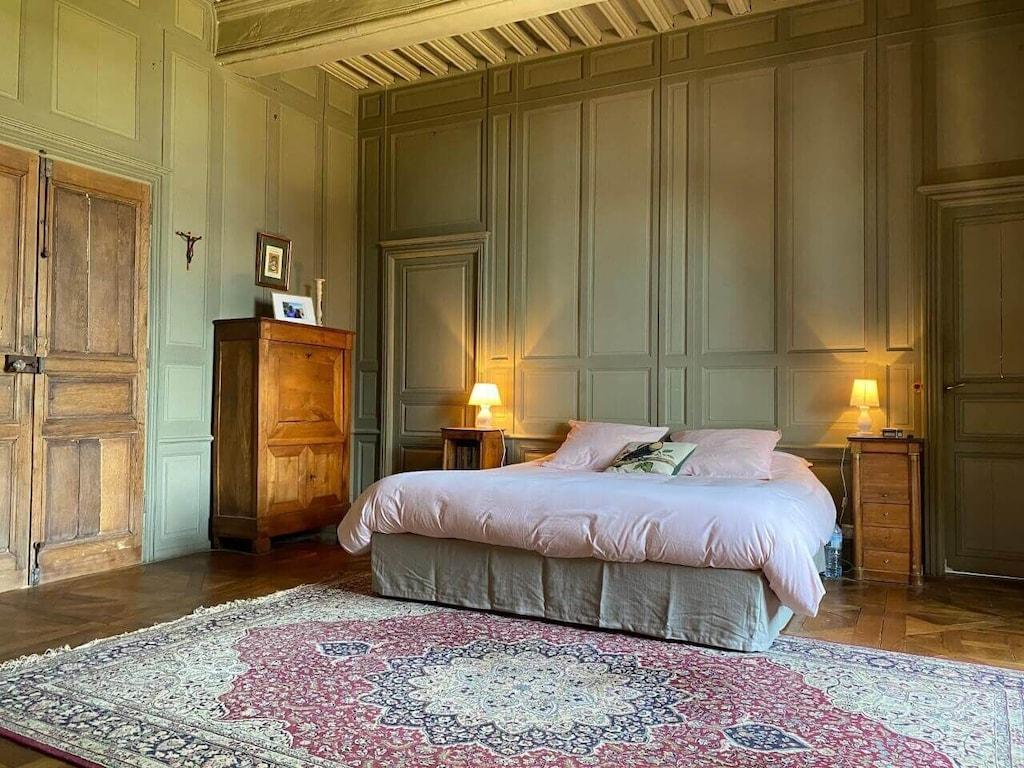 Authentique propriété, 200km de Paris, 14 personnes