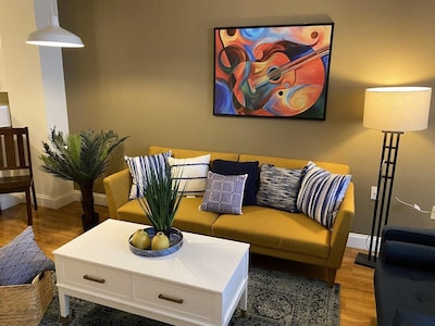 ❤️ 1 BR Apt in the Heart of Downtown, Smart Tv Fast WiFi