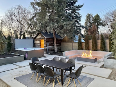Private backyard with amazing amenities